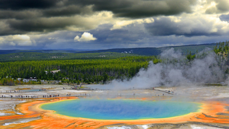 Prismatic Spring in Yellowstone National Park, Wyoming