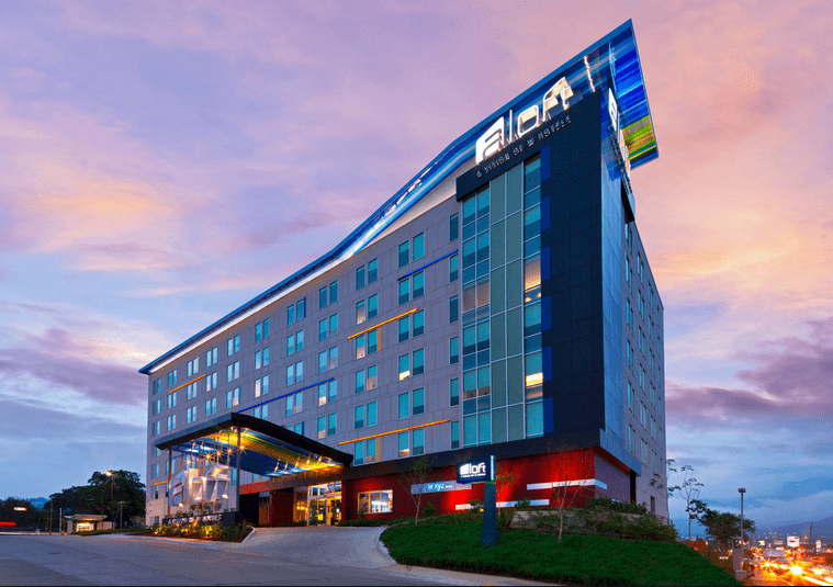 Aloft Hotel - one of the pet-friendly hotel chains where pets stay free!