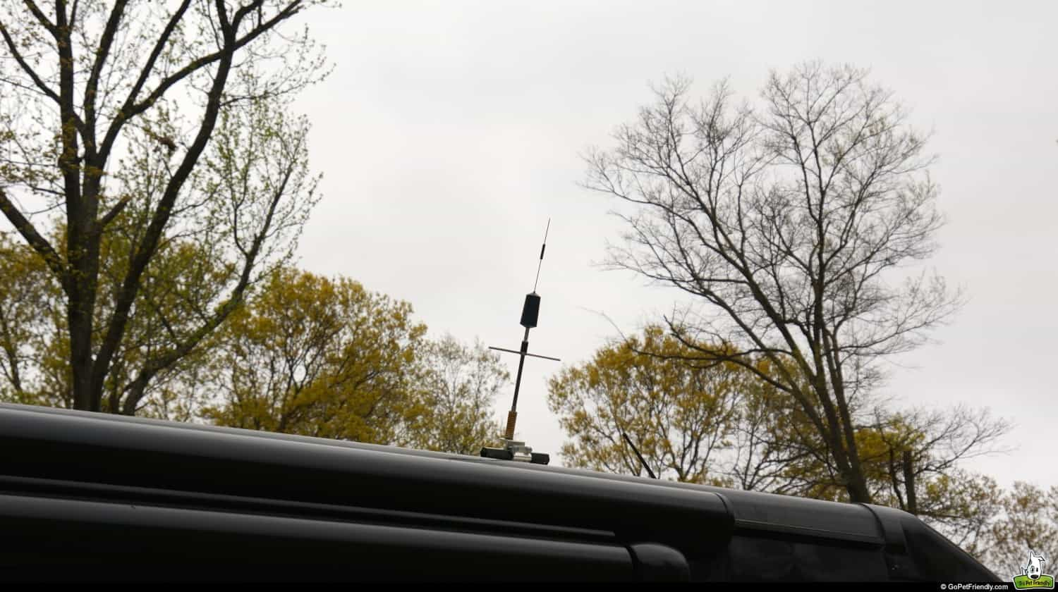 Signal Boosting Roof Antenna
