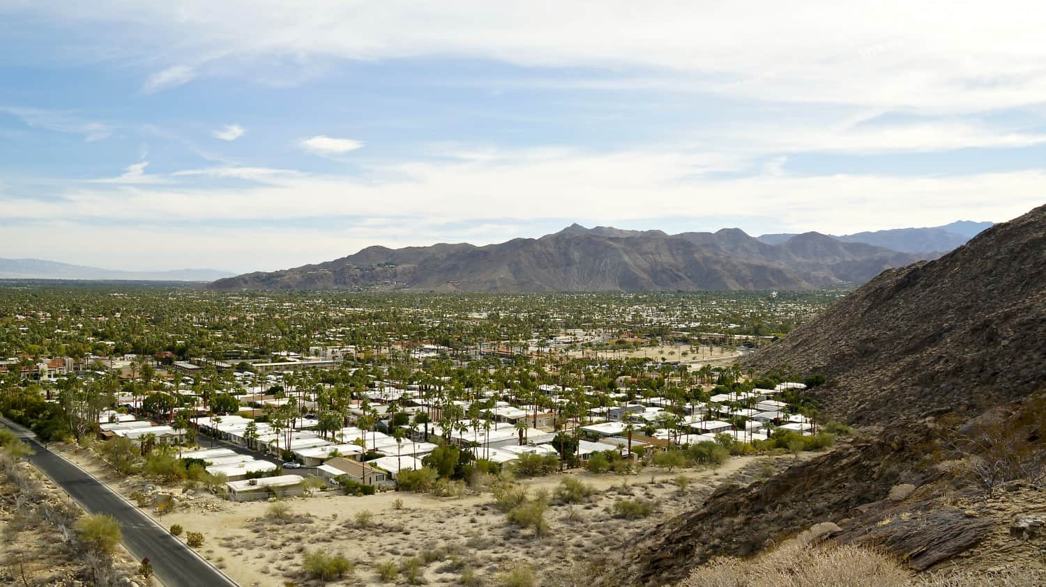 View from the pet-friendly South Lykken Trail in Palm Springs, CA