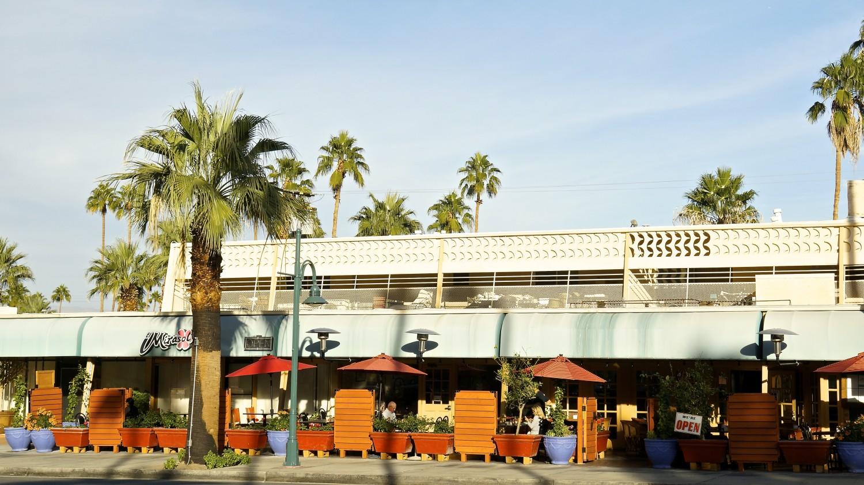 Pet-friendly El Mirasol restaurant in Palm Springs, CA