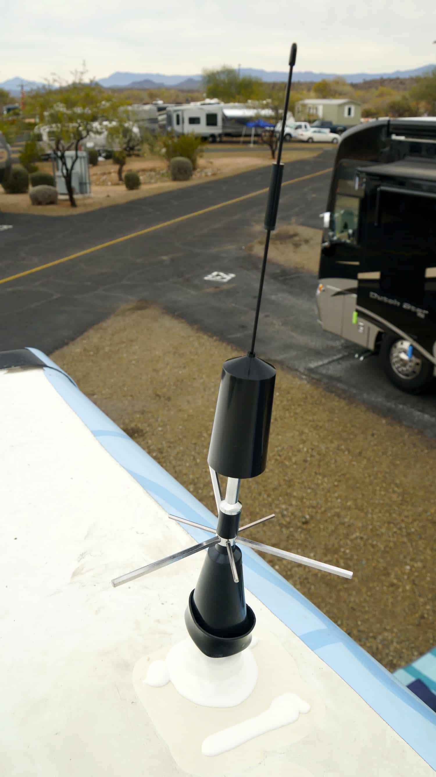 Wilson Trucker's Antenna on the roof of the GoPetFriendly.com Winnebago motorhome