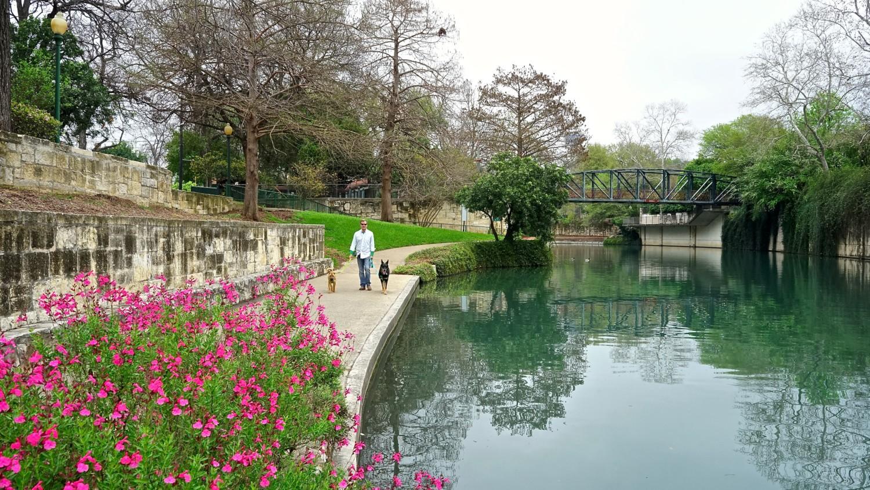 Texas' Top Pet Friendly Attraction: The San Antonio River Walk | GoPetFriendly.com