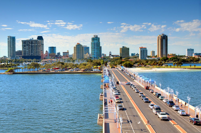Tampa, Florida skyline where the Davis Island dog friendly beach is located