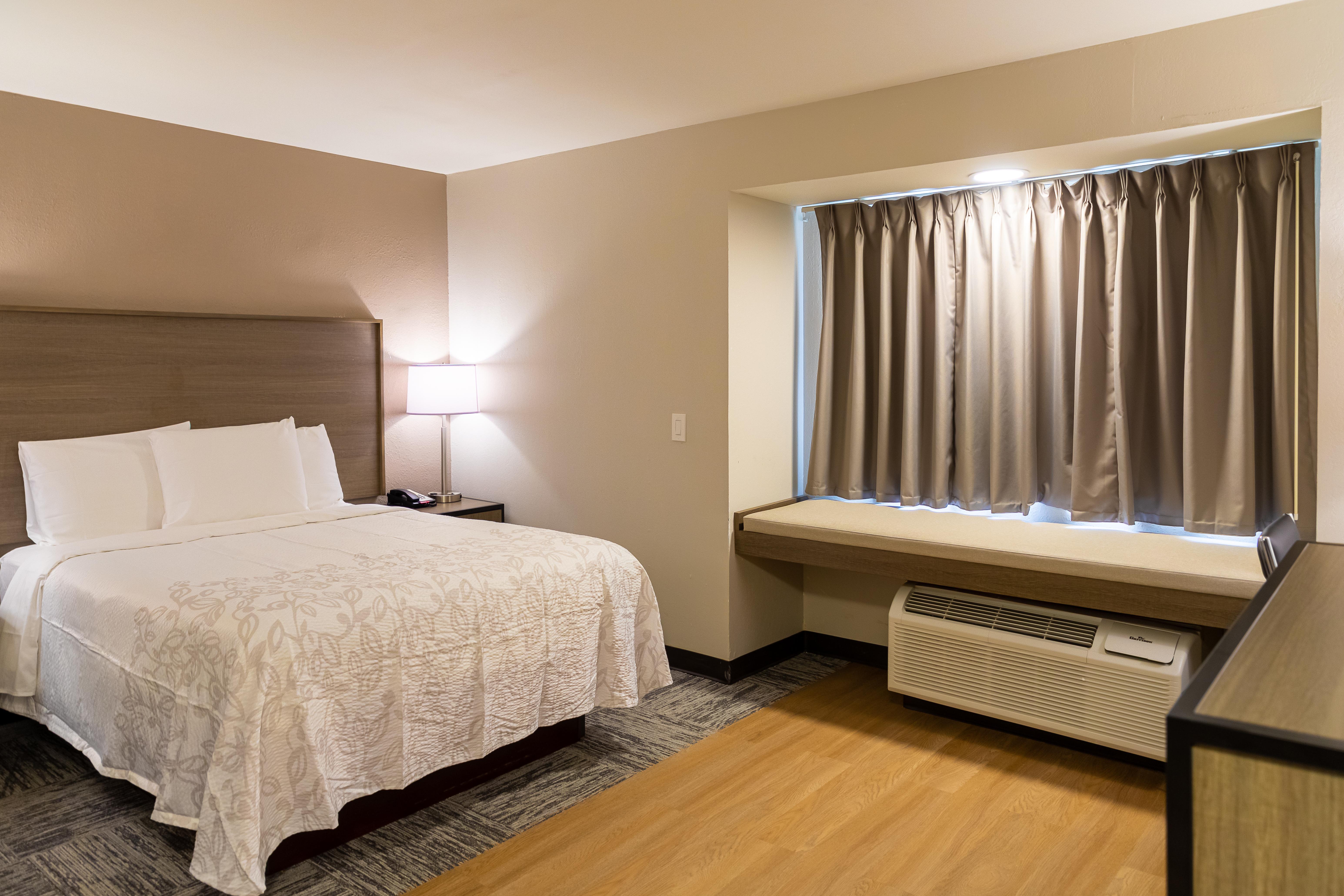 1206-suite-1-queen.jpg