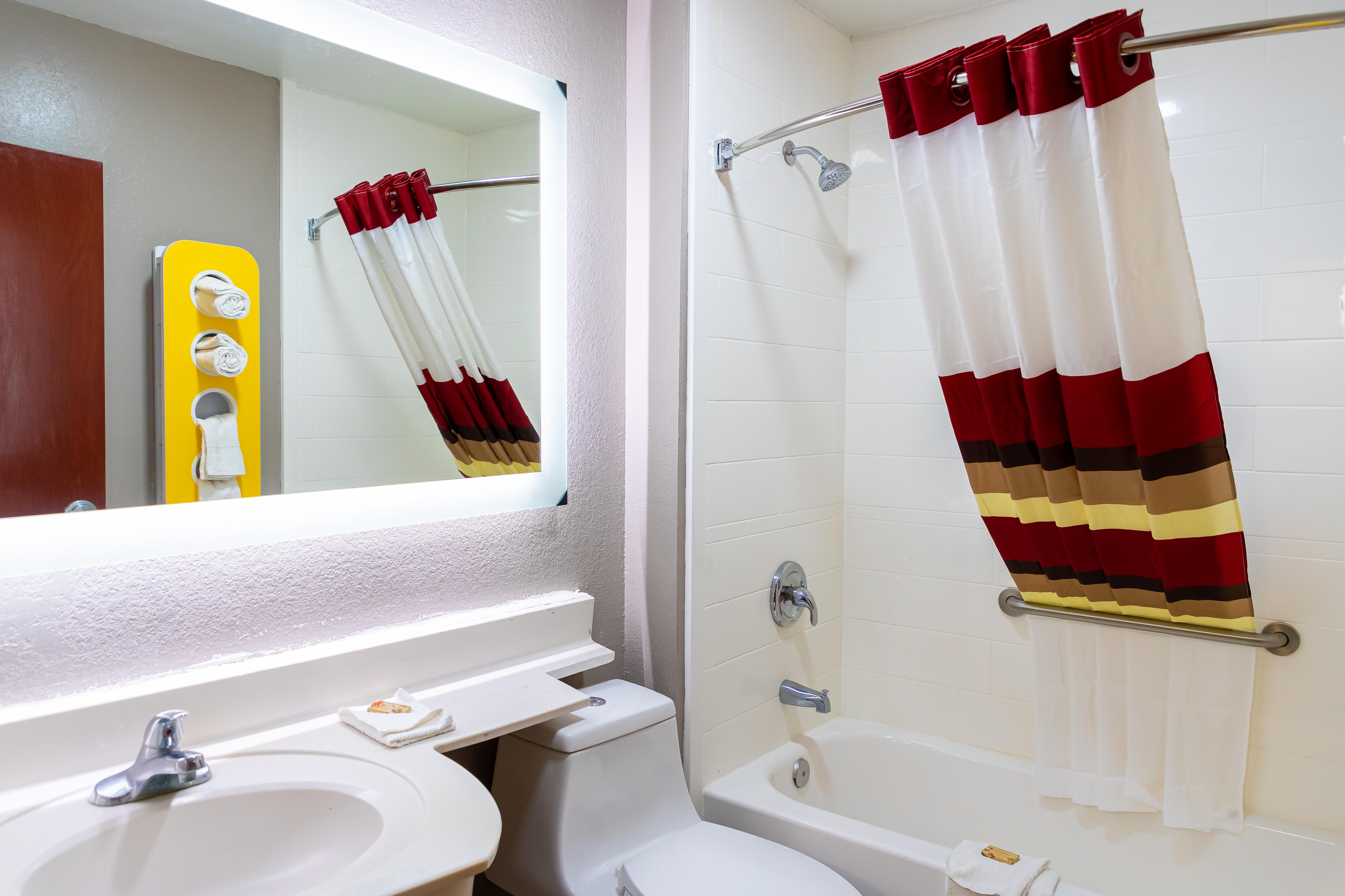 1206-vanity-bath-2.jpg