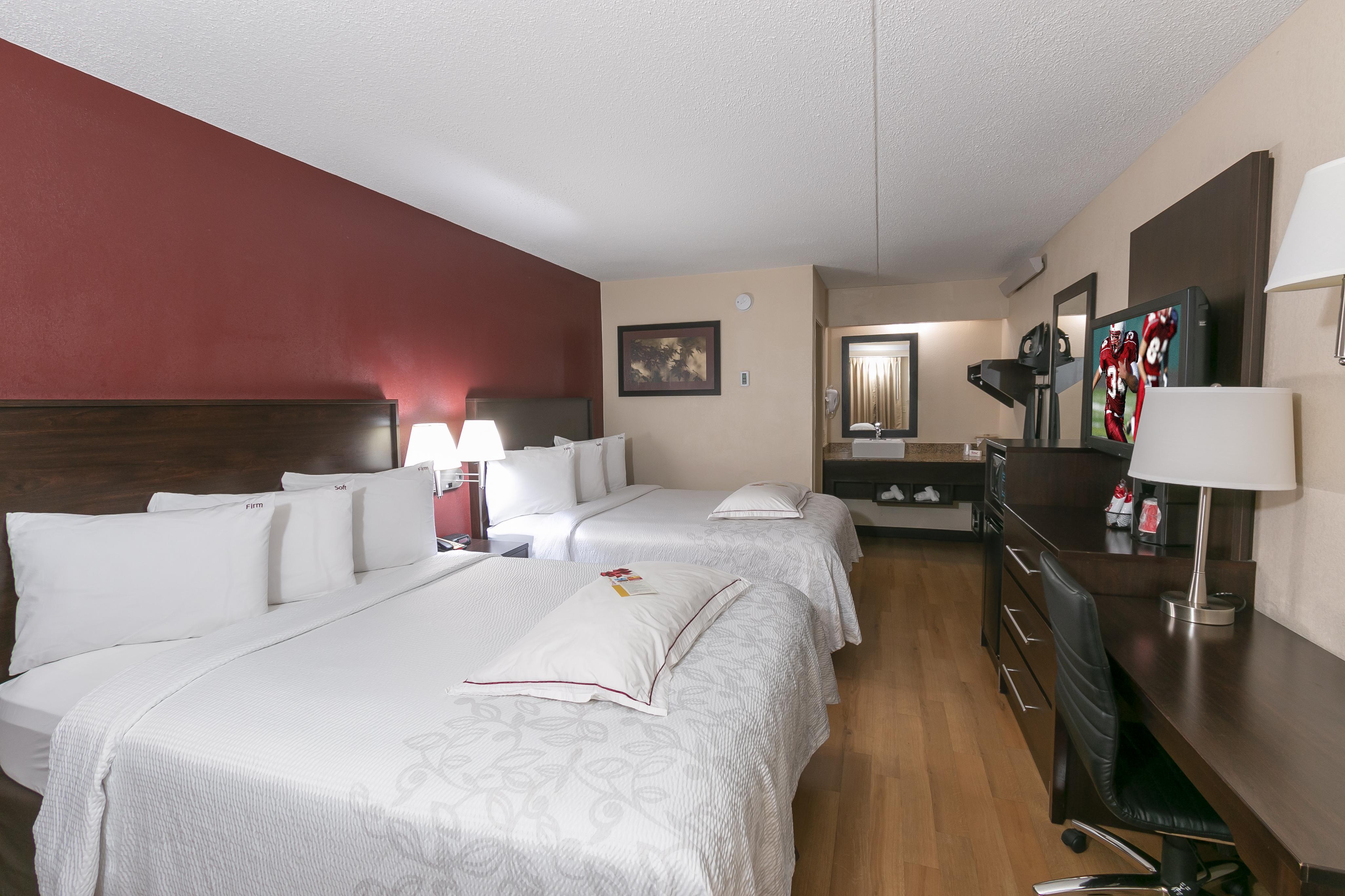 150-premium-2-full-beds-06.jpg