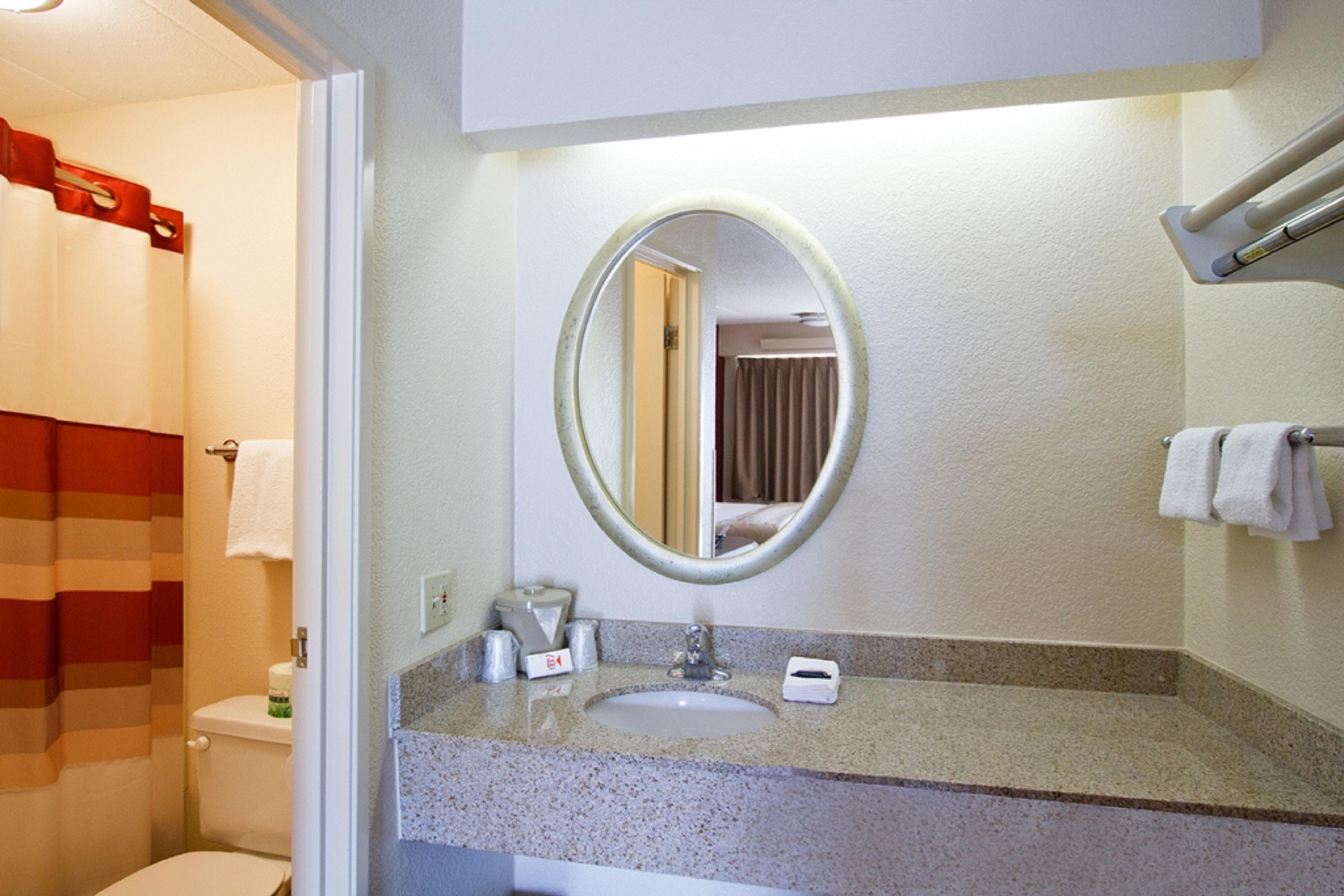 165-vanity-bath-2.jpg