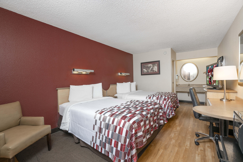 189-deluxe-2-full-beds.jpg