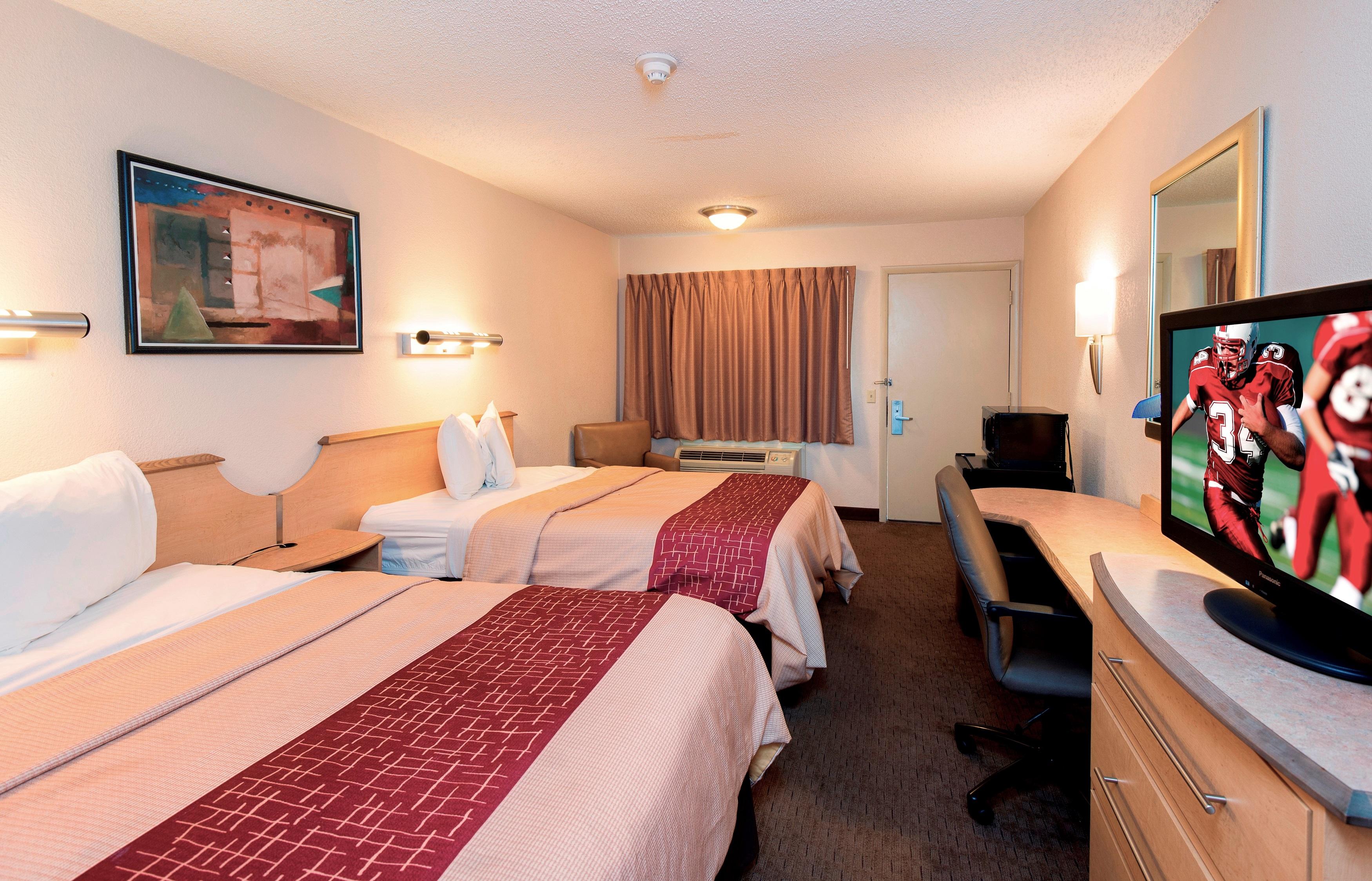 223-deluxe-2-full-beds.jpg