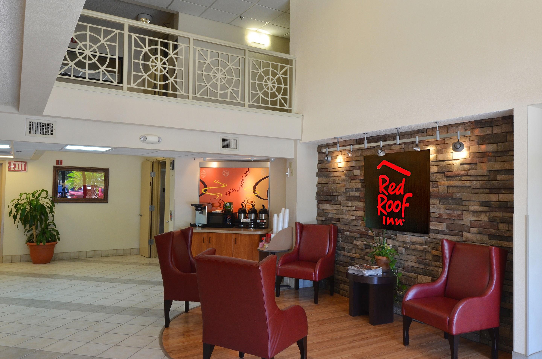 223-lobby.jpg