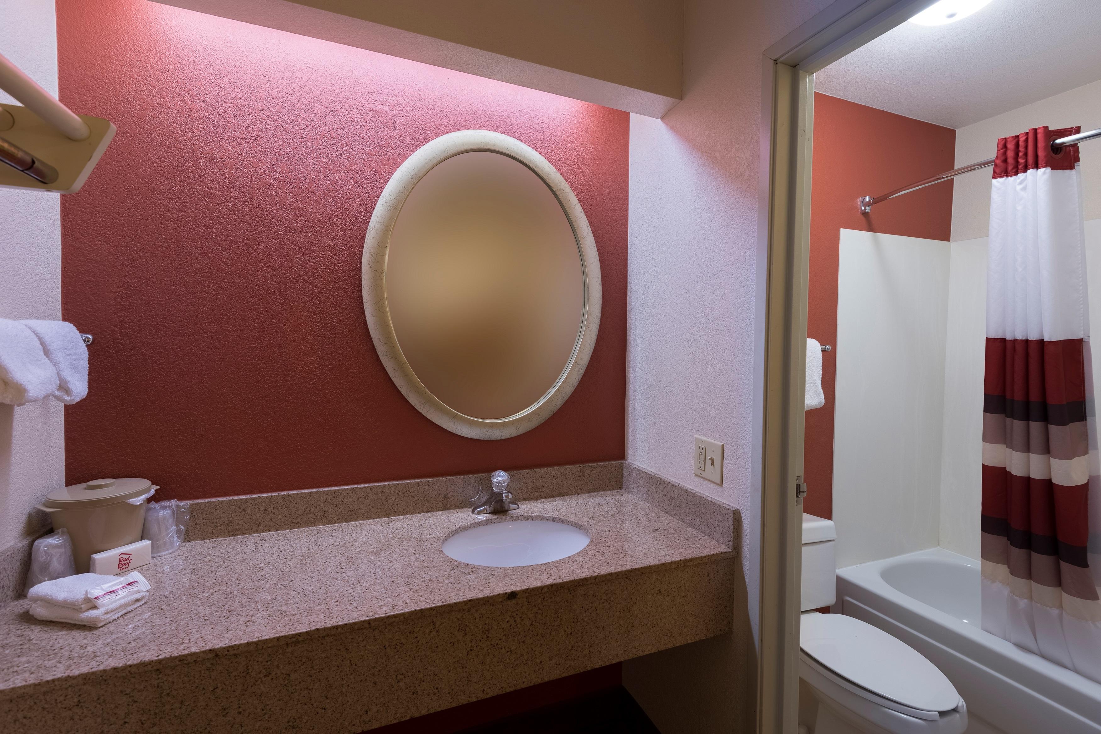 223-vanity-bath.jpg