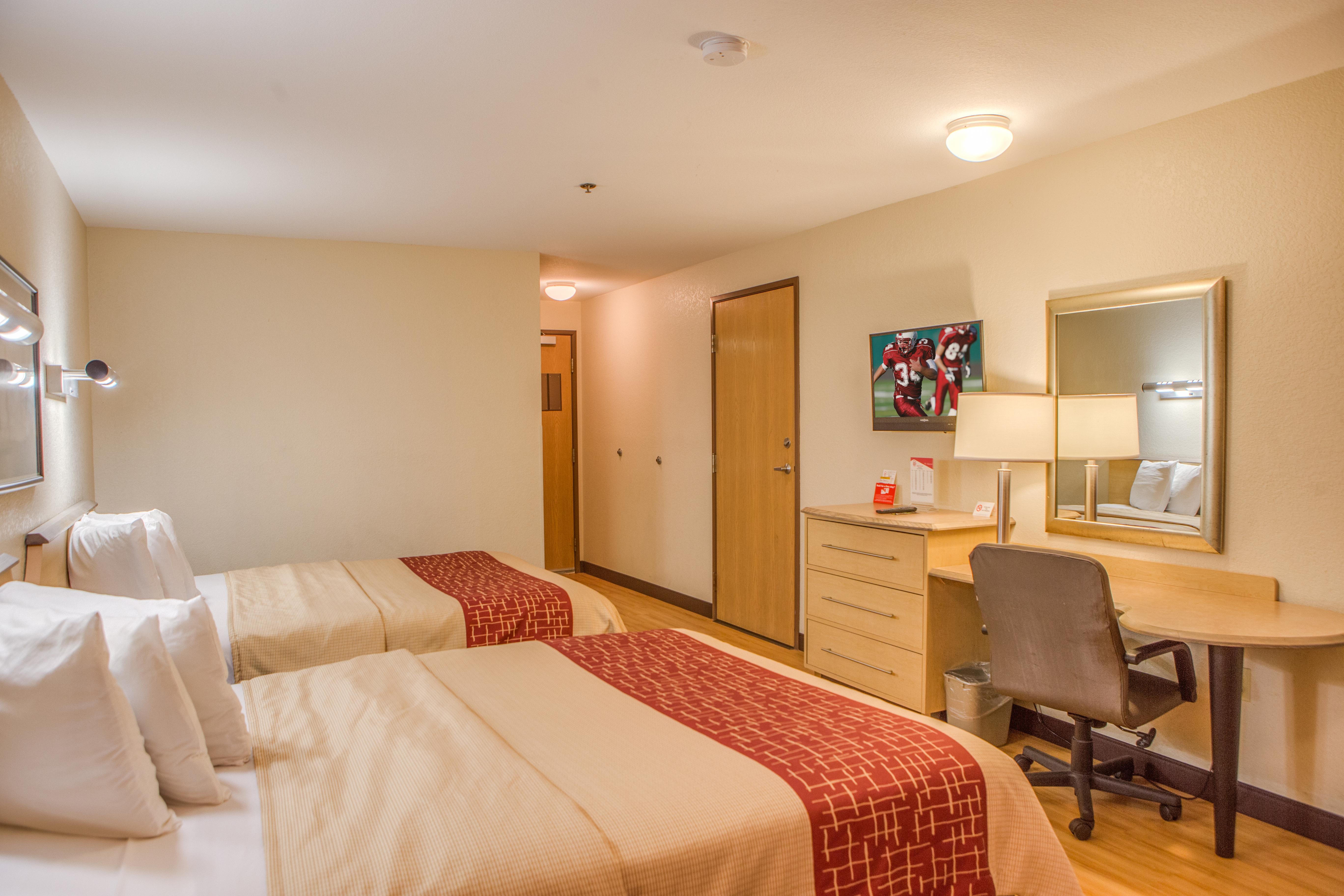 371-2-queen-beds-3.jpg