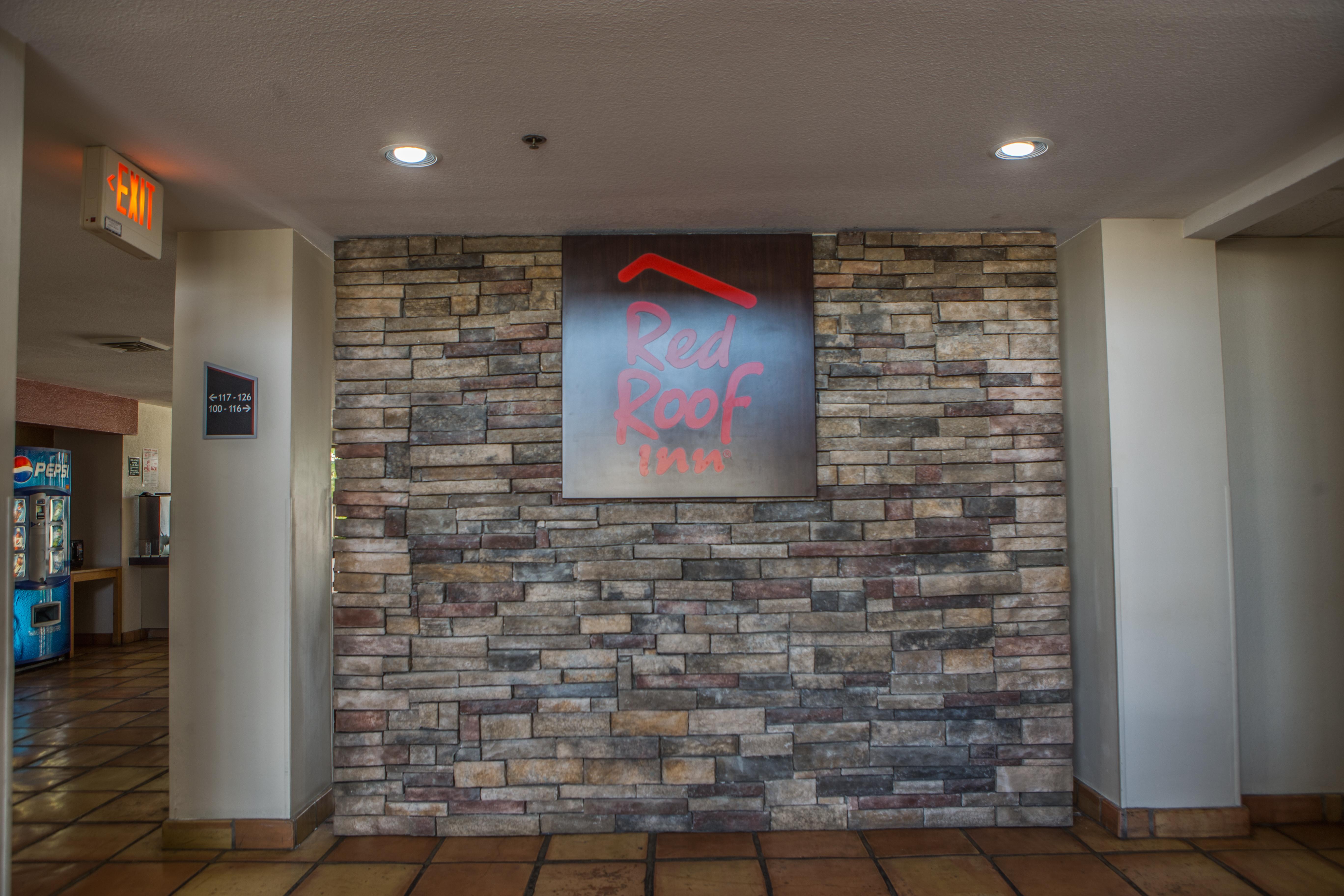 371-pharr-lobby.jpg