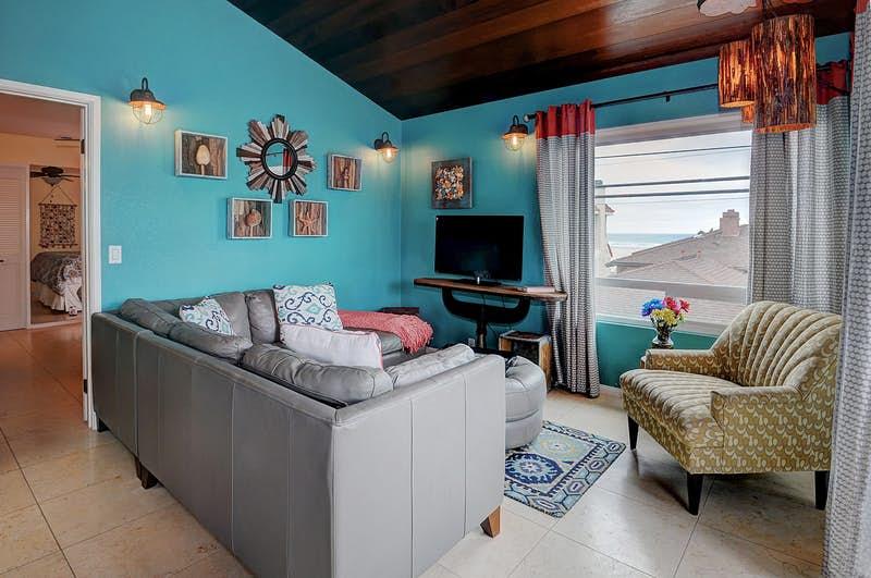 Beckys-Beach-House-217307.jpg