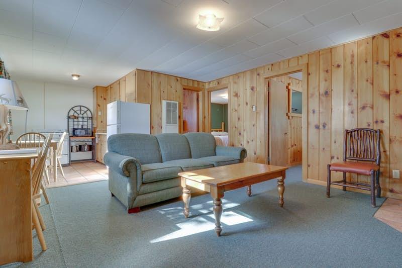 Deer-Cabin-823903.jpg