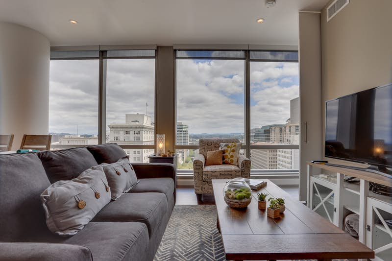 Park-Avenue-West-1105-Portlandia-Panorama-328272.jpg