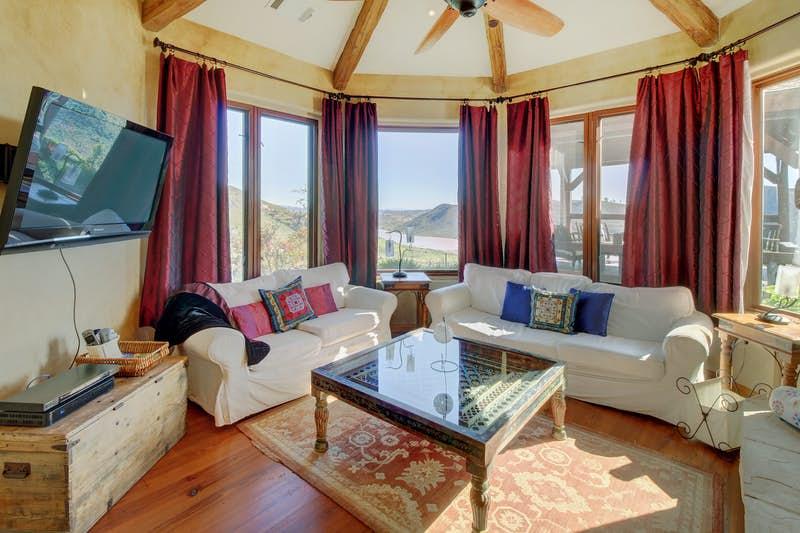Rancho-Santa-Fe-Lakeview-Villa-491670.jpg