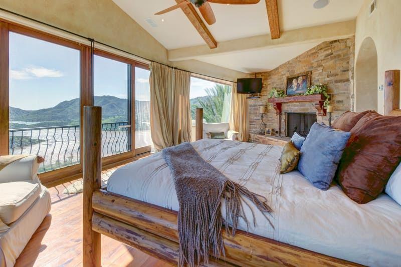 Rancho-Santa-Fe-Lakeview-Villa-491671.jpg
