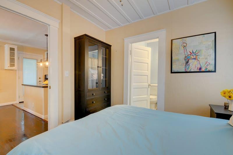 The-Market-Cottage-354617.jpg