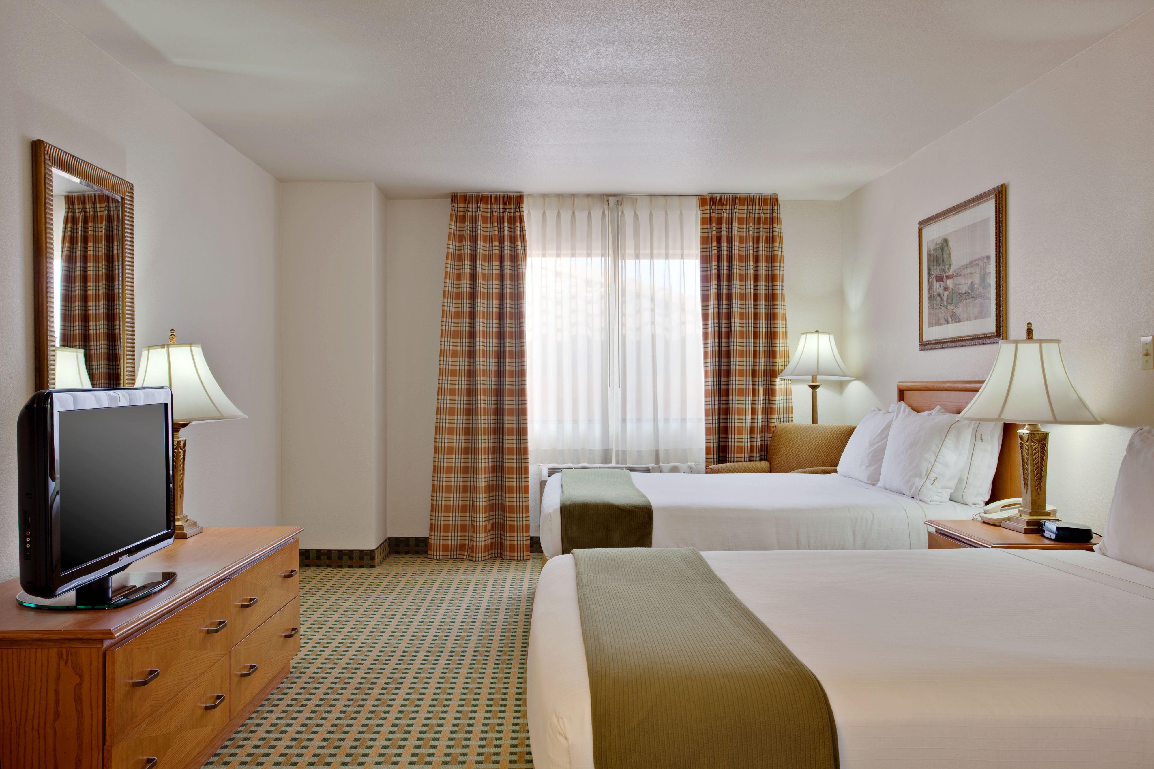 holiday-inn-express-and-suites-kingman-2531759484-original.jpg