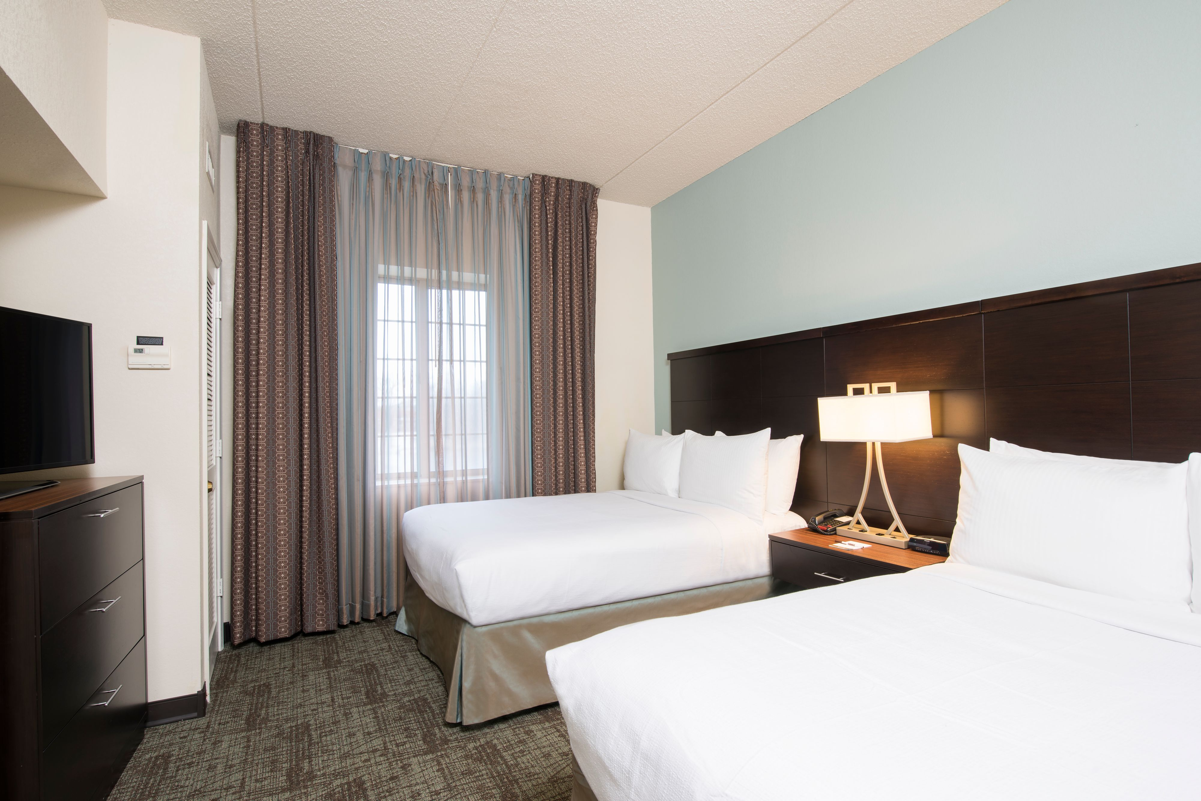 staybridge-suites-oakbrook-terrace-4960029433-original.jpg