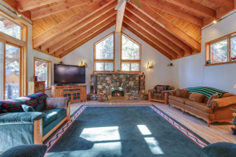 Dogwood-Lodge-1202436.jpg