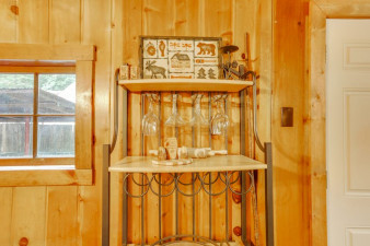 Old-Smokey-Cabin-1190242.jpg