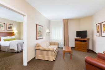 candlewood-suites-apex-4021712891-original.jpg