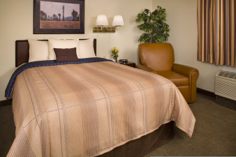 candlewood-suites-new-iberia-2532705180-original.jpg