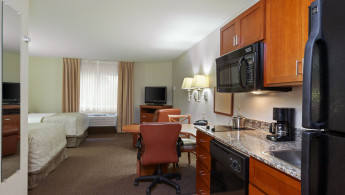 candlewood-suites-reading-4043007804-original.jpg