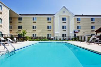 candlewood-suites-savannah-2532993466-original.jpg