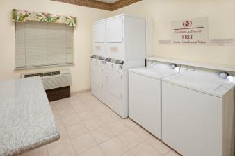 candlewood-suites-tyler-2531636476-original.jpg