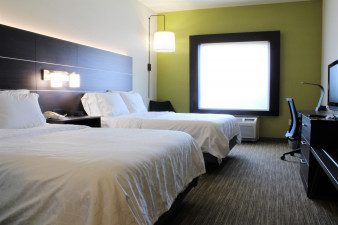 holiday-inn-express-and-suites-american-canyon-5455876874-original.jpg