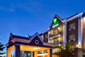 holiday-inn-express-and-suites-calgary-2532805837-original.jpg