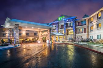 holiday-inn-express-and-suites-gunnison-3342872564-original.jpg