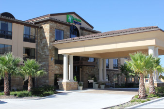 holiday-inn-express-and-suites-lakeway-2533384650-original.jpg