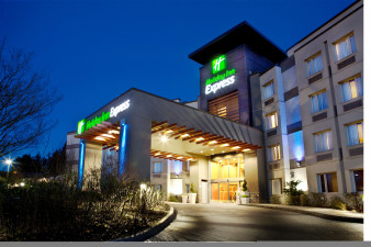 holiday-inn-express-and-suites-langley-2531968877-original.jpg